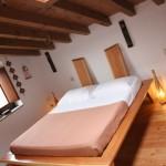 letto in legno naturale brescia